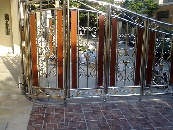 ประตูบานซ้อนรีโมท